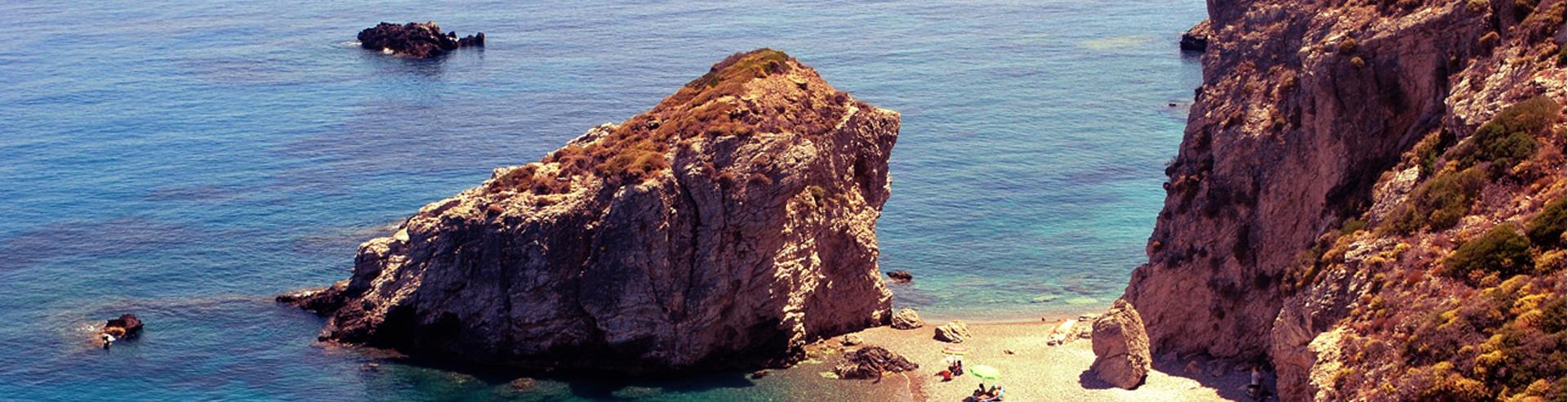 παραλία Καλάδι